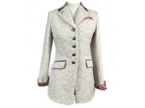 Chaqueta larga color beige